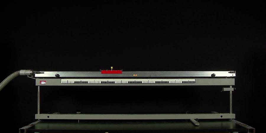 Mozgás vízszintes, légpárnás sínen (lassú) – Videoelemzés